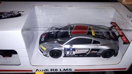Auto radiocomandata Audi Rastar.