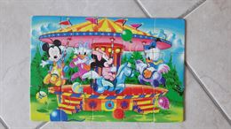 Puzzle colorato da 15 pezzi con i baby personaggi (Disney)