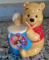 Sveglia Winnie The Pooh. In plastica colorata