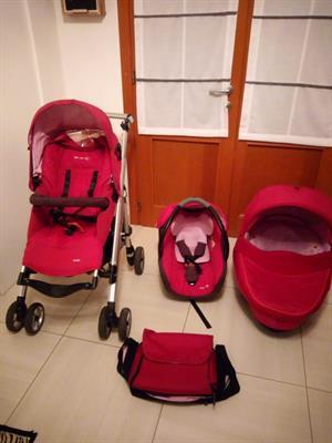 Passeggino trio bebè confort fucsia